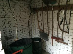 Gartenwerkzeugraum (vormals kleine Rumpelkammer und Spinnengehege)